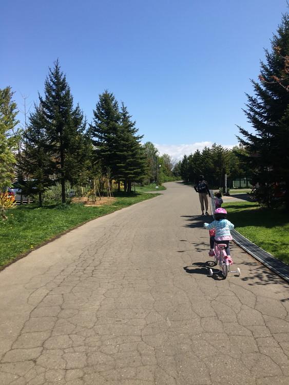 川下公園、自転車の練習中