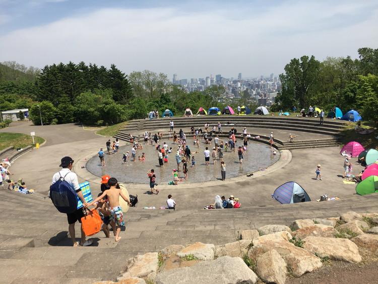 旭山記念公園 景色と水遊び場